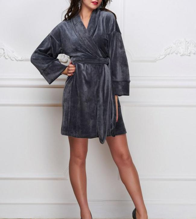 Платье из плюшевого бархата на запах