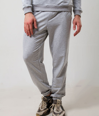 Теплые спортивные брюки на резинке