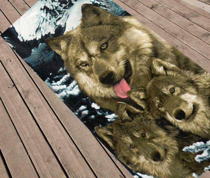 """Пляжное полотенце """"Волки зимой"""""""