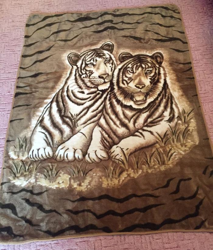 плед с тиграми