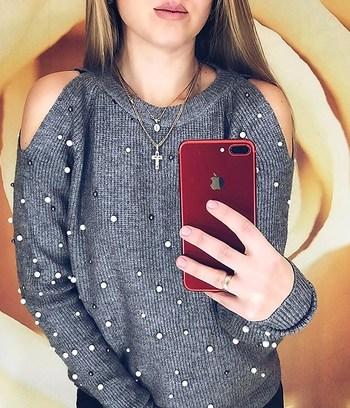 свитер с жемчугом