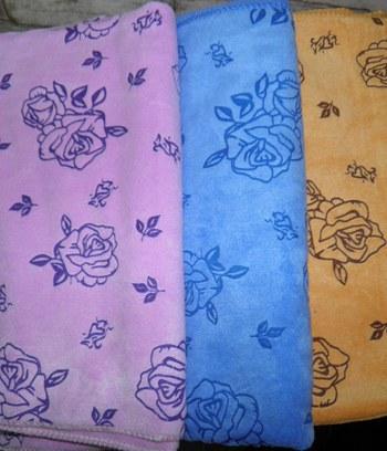 """Банное полотенце из микрофибры """"Розы"""""""