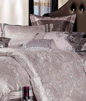 красивое сатиновое постельное белье