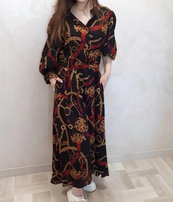 """Длинное платье рубашка с ярким принтом """"Цепи"""""""