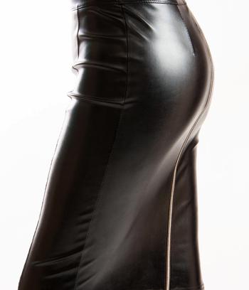 модные кожаные юбки, юбки больших размеров, юбки с молнией сзади
