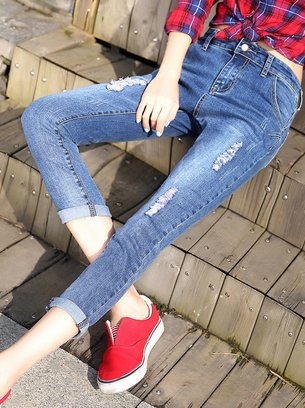 синие джинсы со средней посадкой