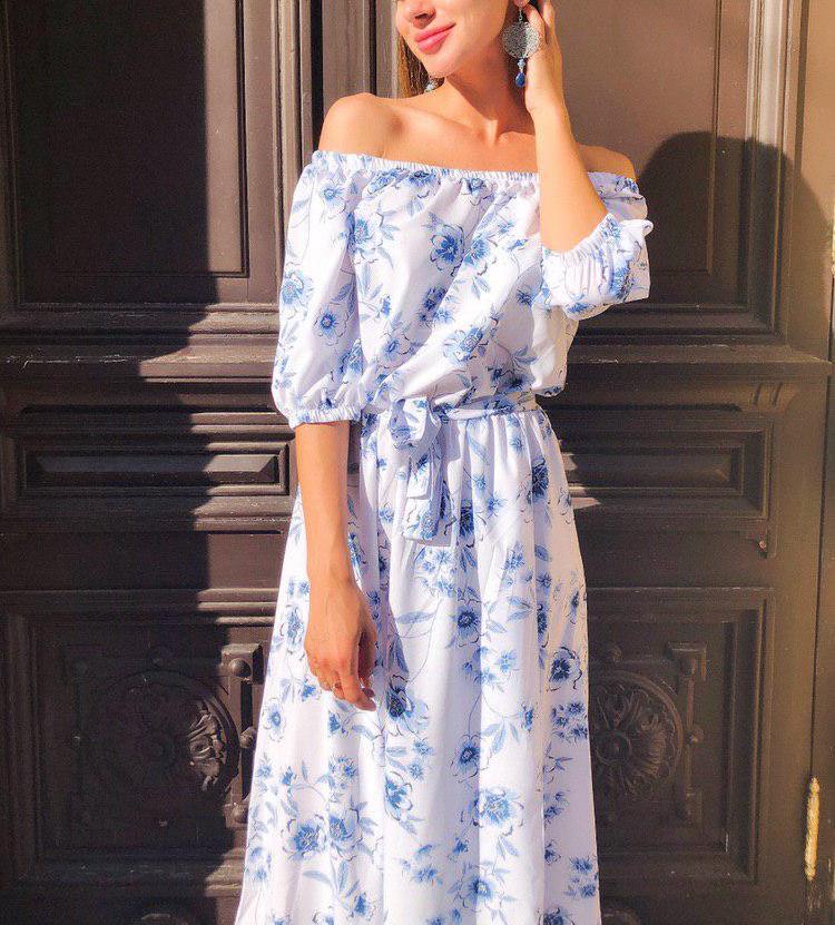 длинное голубое платье