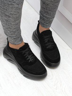 черные кроссовки на массивной подошве