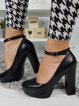 черные туфли с толстым каблуком