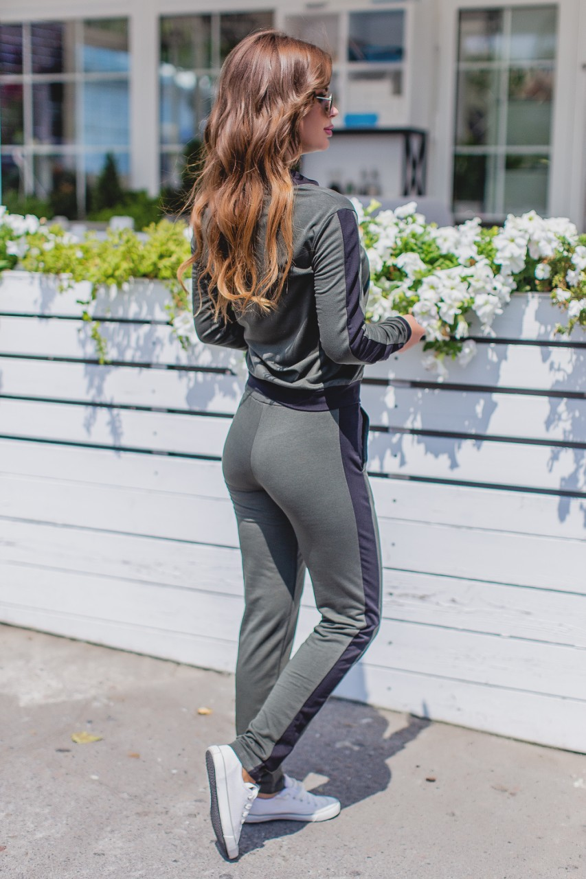 модные спортивные костюмы, костюм на змейке
