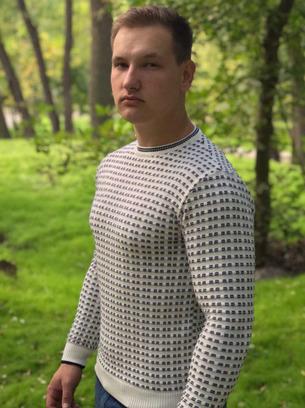светлый мужской свитер, молочный мужской свитер