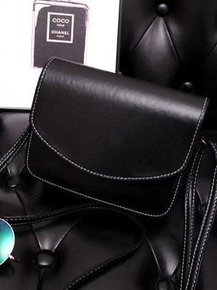 Маленькая женская сумочка черная через плечо