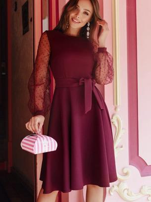 модное женское платье с рукавами в горошек
