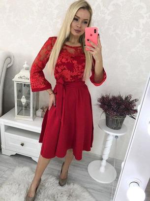 Нарядное женское платье миди с кружевом