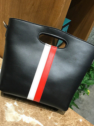 Яркая небольшая женская сумочка