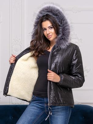 Короткая теплая куртка большого размера