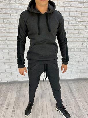 Модный теплый мужской спортивный костюм