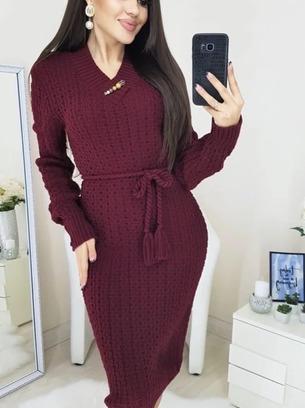Очень красивое теплое вязаное женское платье