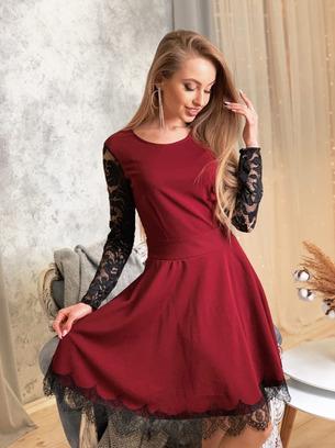 Нарядное коктейльное женское платье с кружевными рукавами и спинкой