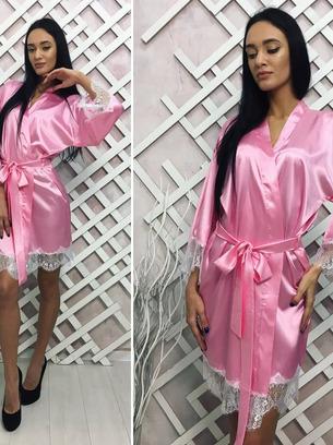 Красивый женский атласный атласный халат с кружевом внизу и на рукавах