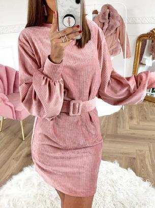 Красивое вельветовое женское платье с объемными рукавами