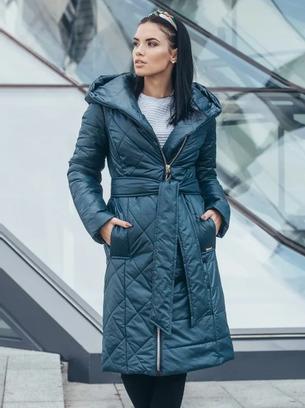 Женское длинное пальто с капюшоном и ассиметричной стежкой больших размеров