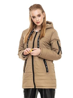 Стильная женская демисезонная удлиненная куртка прямого кроя