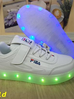 Крутые белые детские кроссовки светящиеся с подсветкой
