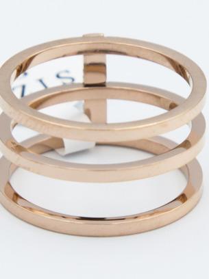 Модное женское стальное кольцо под золото
