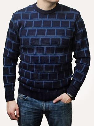 Стильный мужской свитер в клетку
