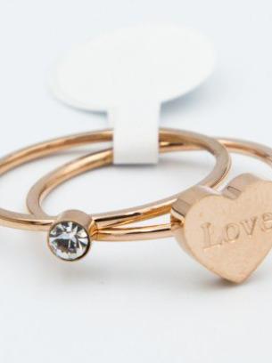 Кольцо стальное с сердечком в цвете под золото
