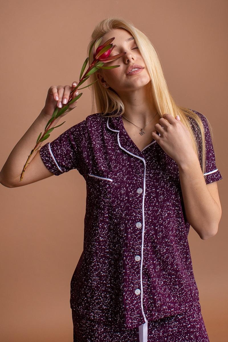 Красивый женский комплект с шортиками и кофтой на пуговицах