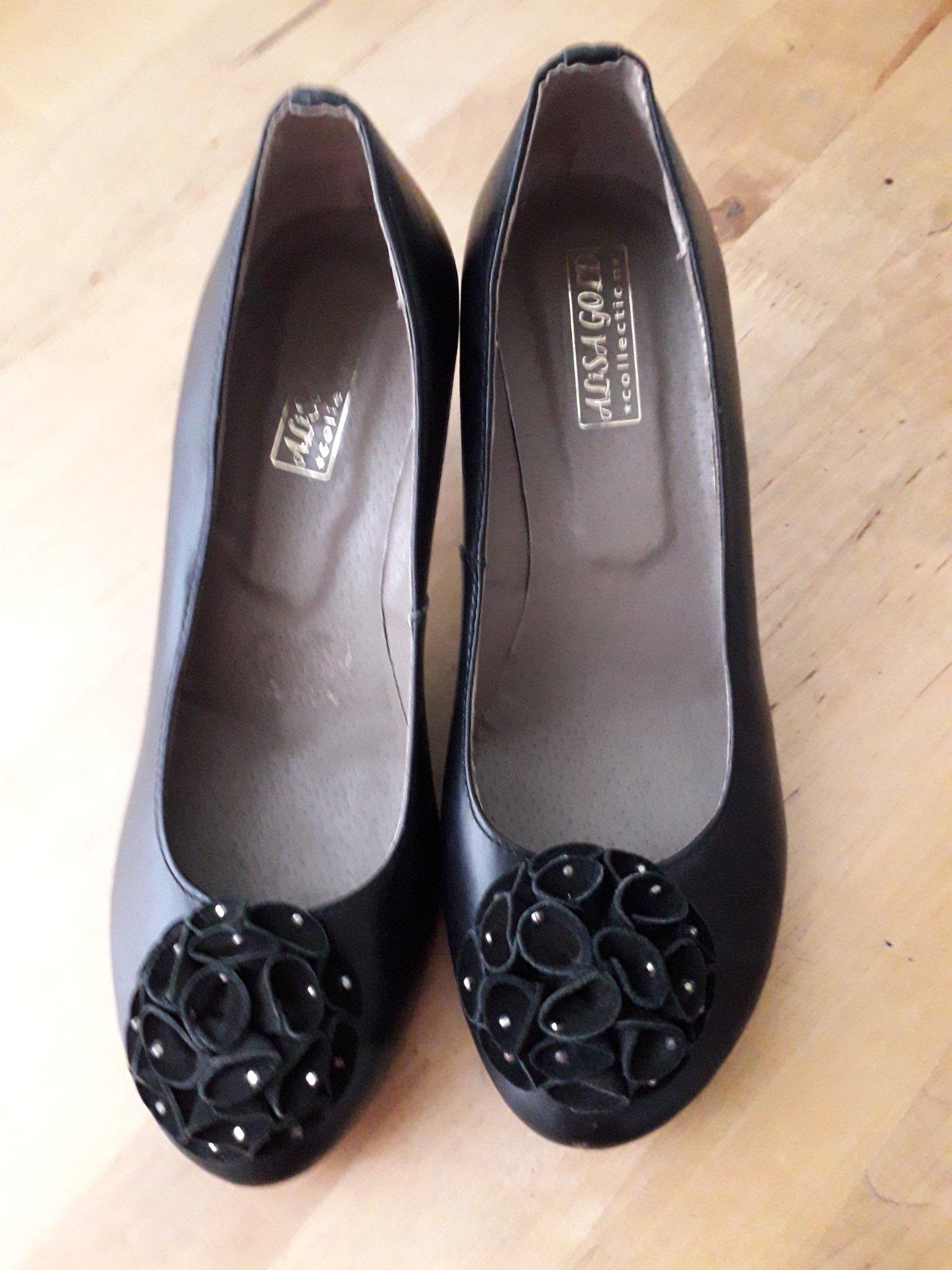черные женские туфли с бантом