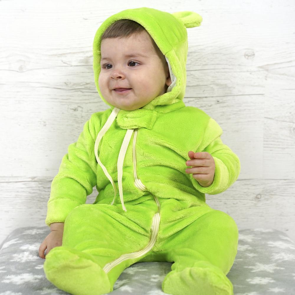 Милый пушистый комбинезон для малышей