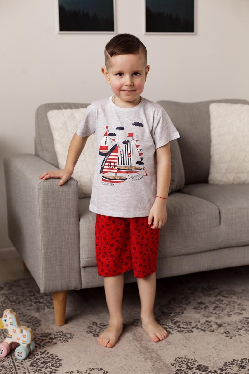 Крутой комплект с шортиками для мальчика c лодками