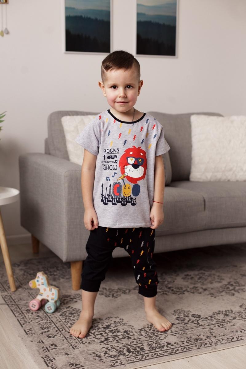 Модный комплект c шортиками капри для мальчика
