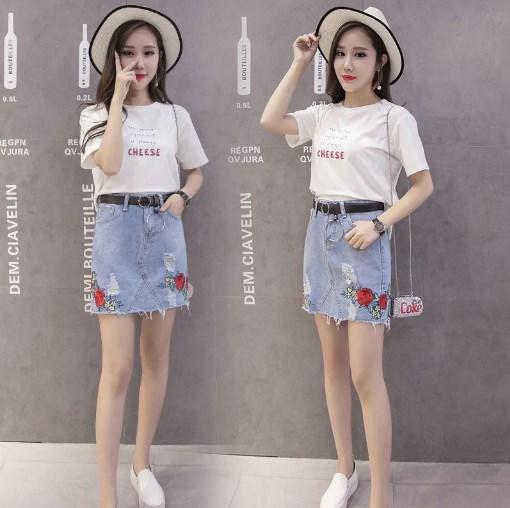 Модная и стильная женская джинсовая юбка с вышивкой