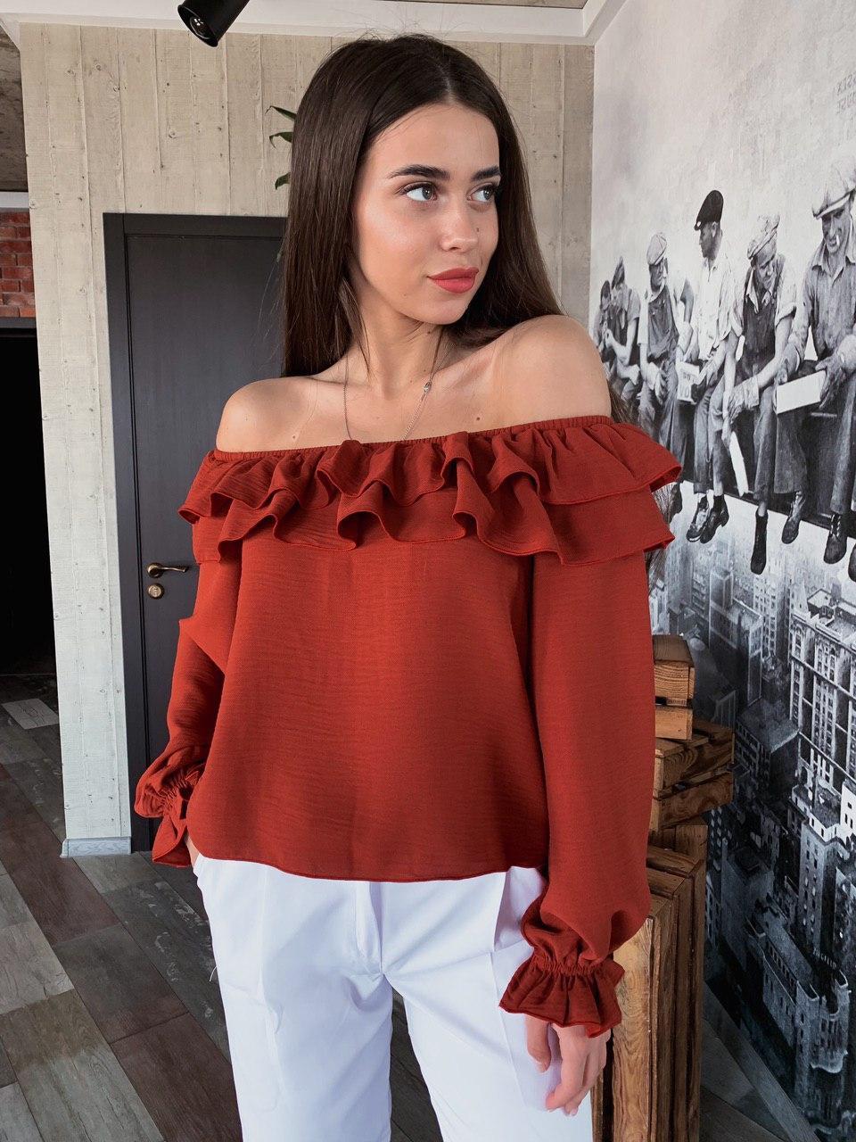 Сексуальная женская блузка с открытыми плечами