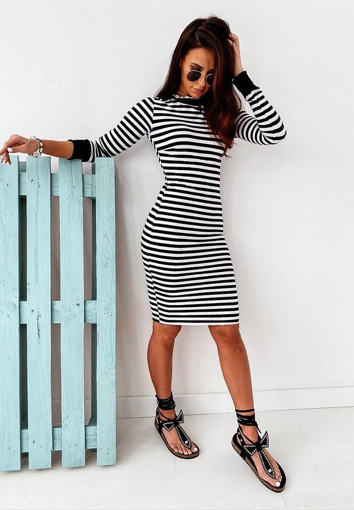 Классное женское полосатое облегающее платье