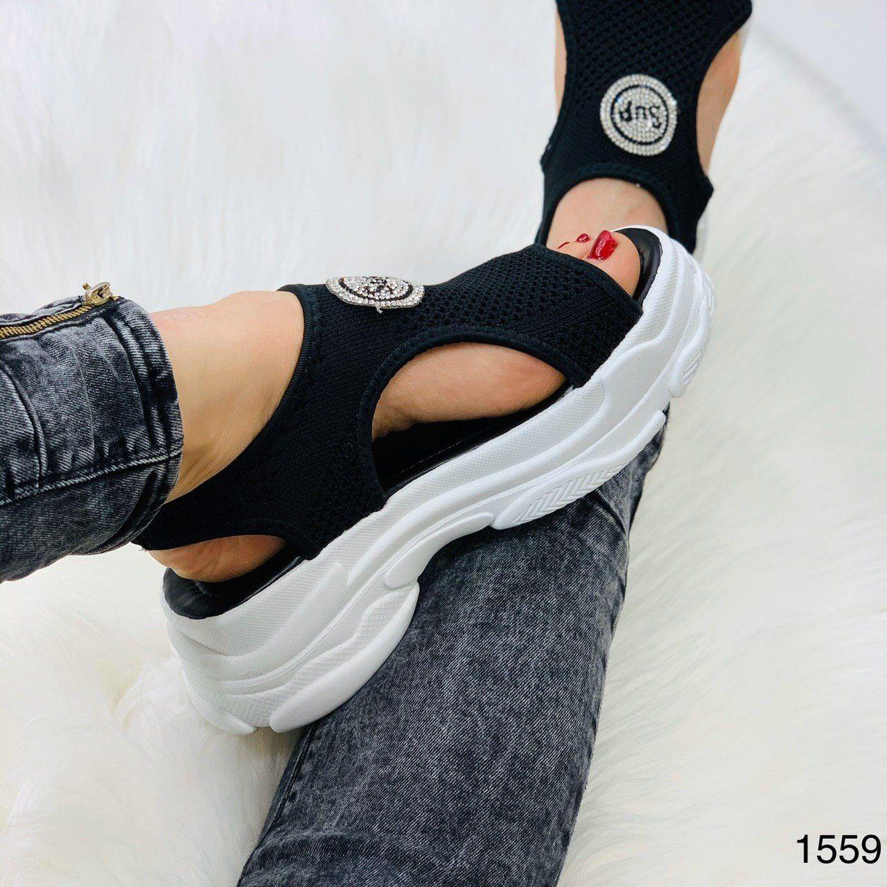 Трендовые крутые женские босоножки из обувного текстиля