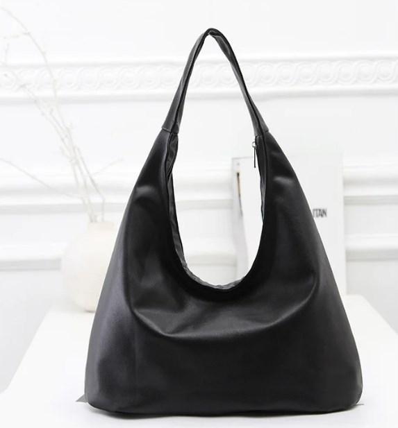 Средняя черная женская сумка