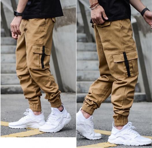 Модные спортивные штаны джогеры с карабинами