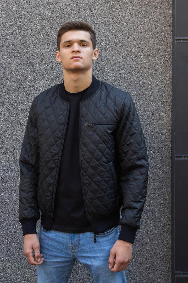мужская демисезонная куртка короткая стеганная