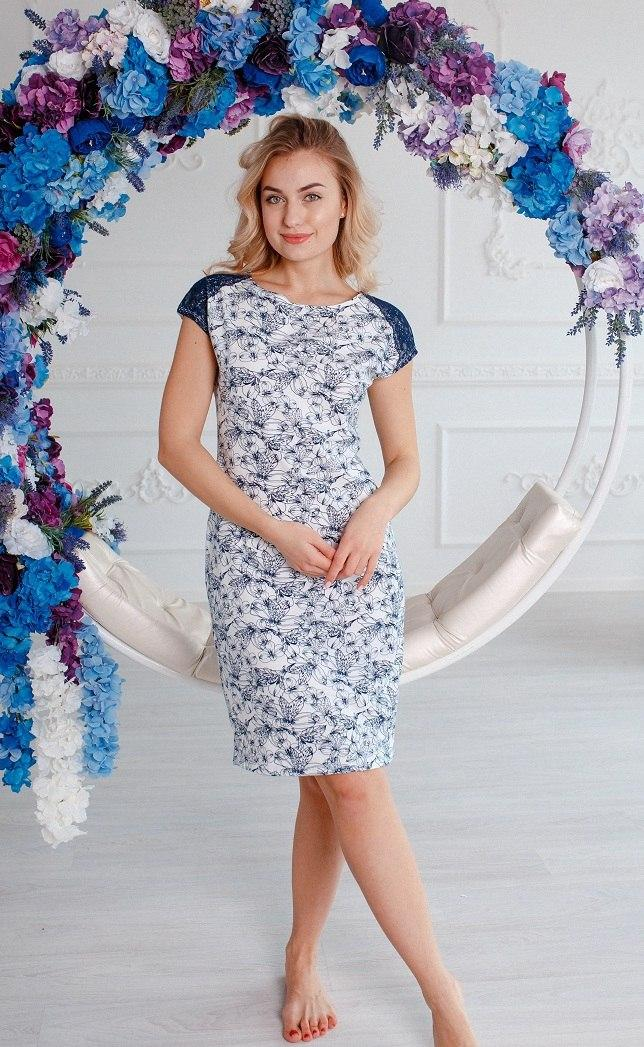 Нежная женская ночная рубашка из натуральной ткани больших размеров