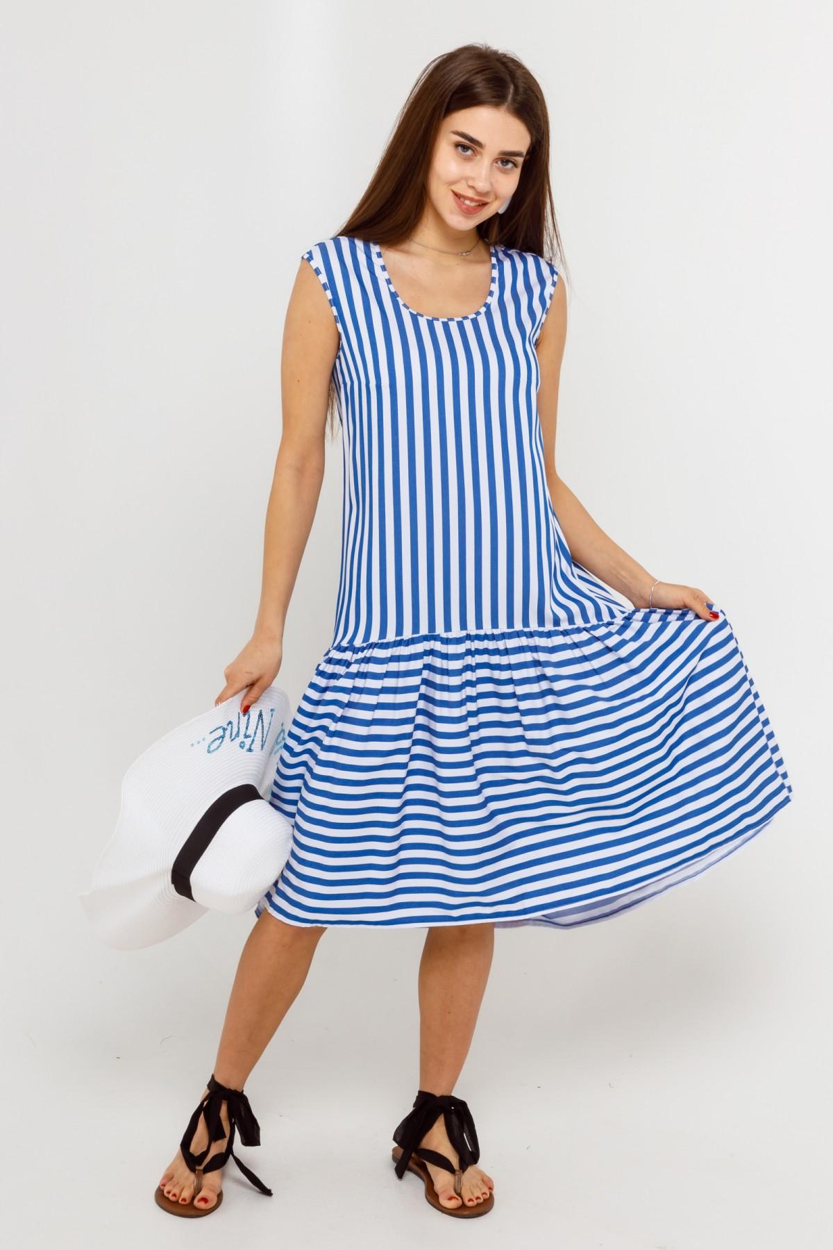 Симпатичное летнее платье в полоску в стиле оверсайз больших размеров