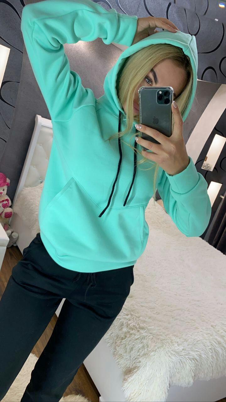 модный женский спортивный костюм на флисе