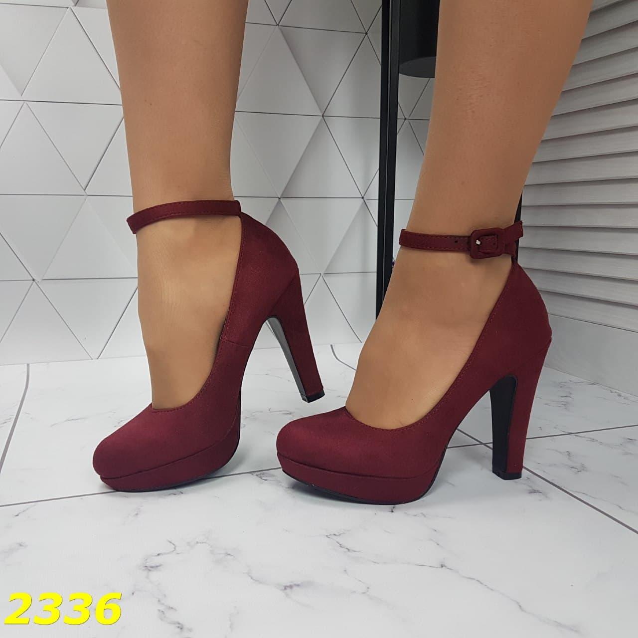 бордовые туфли на толстом каблуке