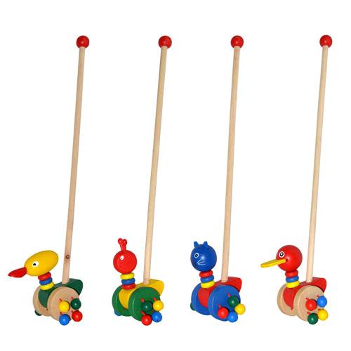 Деревянная игрушка каталка на палке для детей