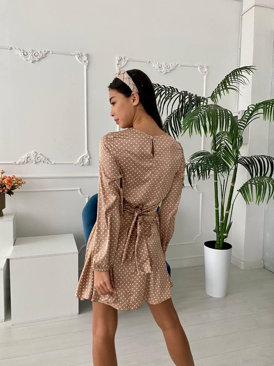 Модное весеннее короткое шелковое платье в горошек ...
