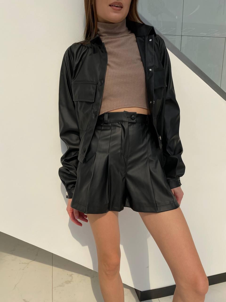 Стильный кожаный женский жакет